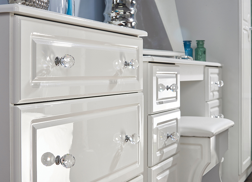 White Gloss Dressing Table And Chair: Balmoral (White High Gloss) Bedroom Range